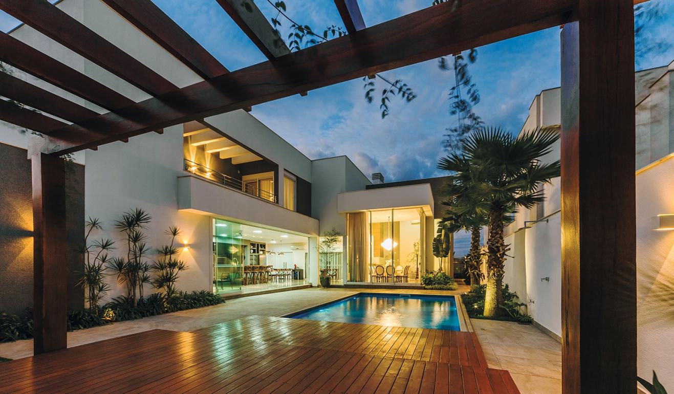E3 arquitetura projeto casa cinza for Piscina 6 x 3